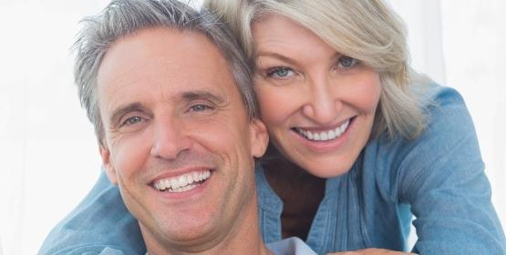 Älteres Pärchen - Pflegeversicherung