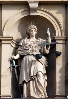 Iustitia Statue